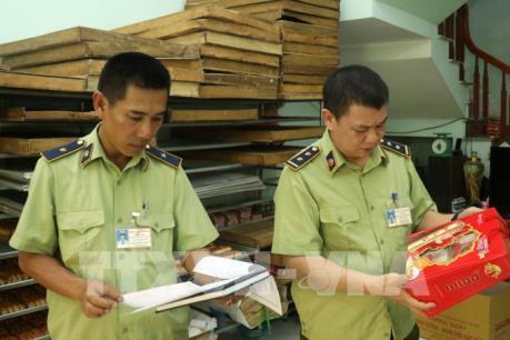Lào Cai kiểm tra, kiểm soát nguyên liệu làm bánh trung thu