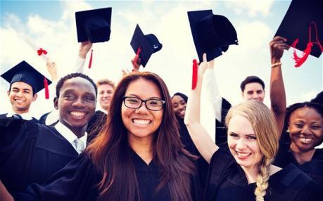 Sinh viên quốc tế có thể ở lại Anh tìm việc làm tối đa 2 năm