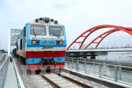 Cầu đường sắt Bình Lợi mới chính thức thông tuyến