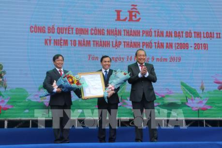 Long An công bố quyết định công nhận thành phố Tân An đạt đô thị loại II