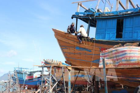 Hoàn thiện quy định về mua bán và hoán cải tàu thuyền