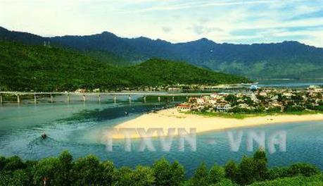 Phát huy tiềm năng du lịch biển Lăng Cô