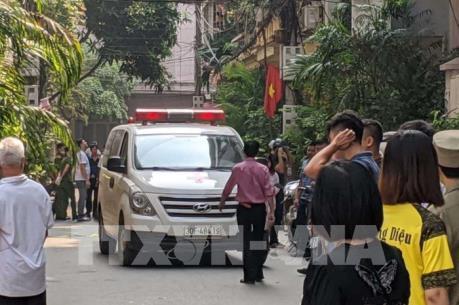 Hà Nội: Nam thanh niên đâm tử vong hai nữ sinh rồi nhảy lầu tự tử