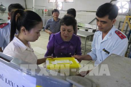 Tp. Hồ Chí Minh kiểm tra cơ sở cung cấp suất ăn tập thể cho công ty, trường học