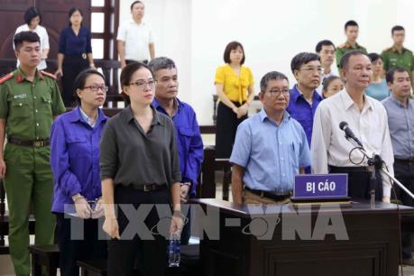 Xét xử nguyên lãnh đạo BHXH  Việt Nam: Hợp đồng vay vốn trái với thư bảo lãnh của Agribank