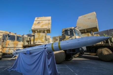 Iran phô diễn năng lực quân sự tiên tiến