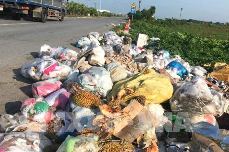Xuất hiện nhiều bãi rác tự phát gây mùi hôi thối tại Nam Định