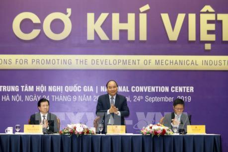 Thủ tướng: Tạo dựng thị trường cho doanh nghiệp cơ khí phát triển