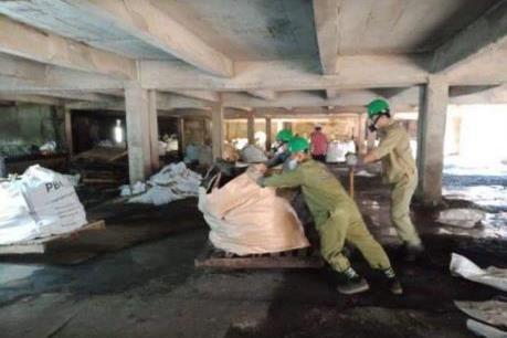Đã thu dọn hơn 1.200 tấn phế thải từ vụ cháy kho Rạng Đông