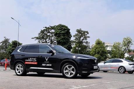 VinFast tổ chức chương trình lái thử xe Lux ở Hà Nội