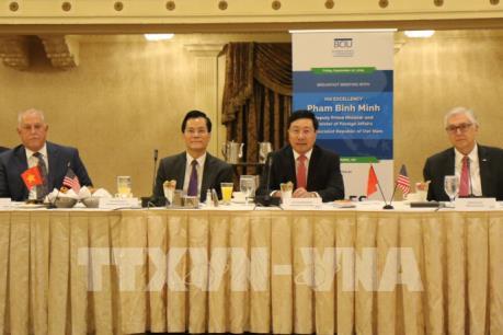 Phó Thủ tướng, Bộ trưởng Ngoại giao Phạm Bình Minh tọa đàm với các doanh nghiệp Mỹ