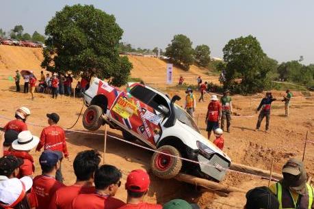 Khai mạc Giải đua xe ô tô địa hình Việt Nam PVOIL CUP 2019