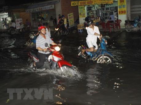 Thành phố Hồ Chí Minh: Một số khu vực ngập nặng do triều cường
