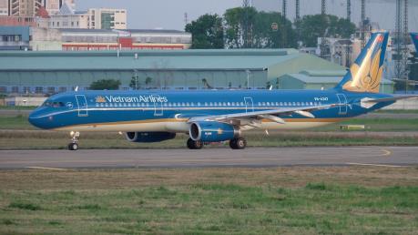 Vietnam Airlines điều chỉnh kế hoạch khai thác do ảnh hưởng bão Mitag