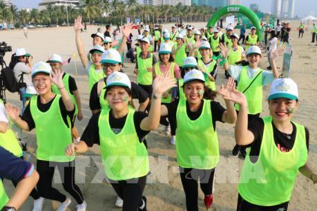 """Đà Nẵng chạy Marathon """"Vì sự bình yên của trẻ thơ"""""""