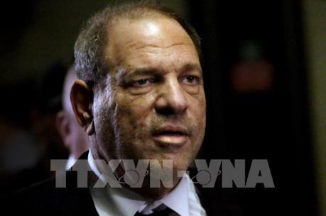 """Tòa án Mỹ bác yêu cầu của """"yêu râu xanh"""" Harvey Weinstein"""