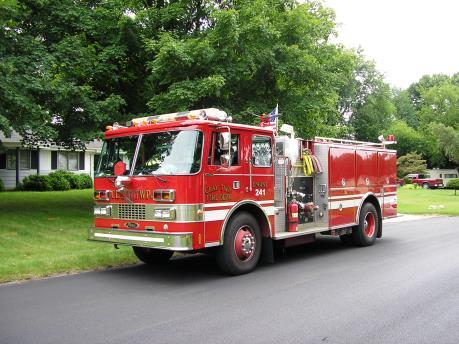 Tước quyền sử dụng bằng lái với tài xế không nhường đường cho xe cứu hỏa