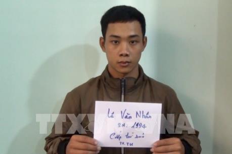Không việc làm, 2 thanh niên rủ nhau đi cướp tài sản của tài xế taxi