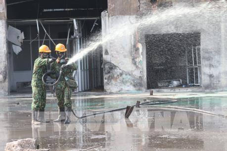 Đã tẩy độc xong khu vực cháy ở Công ty Rạng Đông