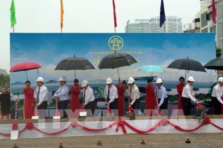 Khởi công xây dựng cầu vượt đường Hoàng Quốc Việt-Nguyễn Văn Huyên