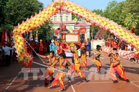 Độc đáo Lễ hội văn hóa du lịch Dinh Thầy Thím