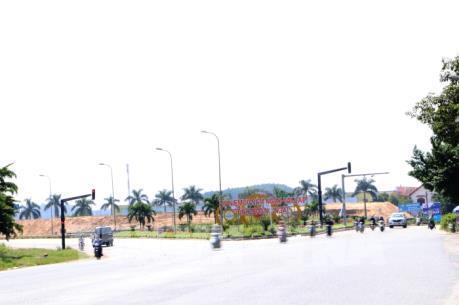 Bãi tạm trữ cát không phép ngay cửa ngõ thành phố Quảng Ngãi