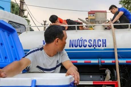 Các điểm cấp nước sạch miễn phí tại Hà Nội sau sự cố sông Đà
