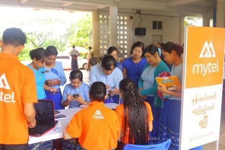 Viettel tại Myanmar nhận Giải thưởng Kinh doanh Quốc tế 2019