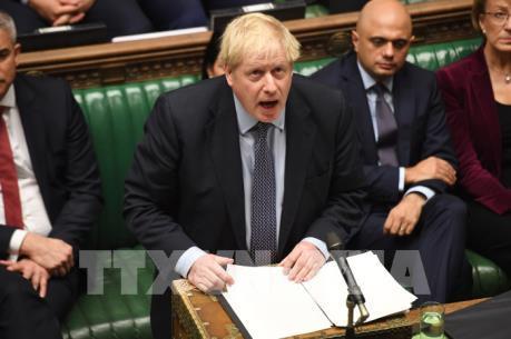Thủ tướng Anh miễn cưỡng viết thư gửi EU đề nghị lùi thời hạn Brexit
