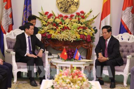 Phnom Penh đề nghị mở tuyến xe buýt du lịch với Bà Rịa-Vũng Tàu