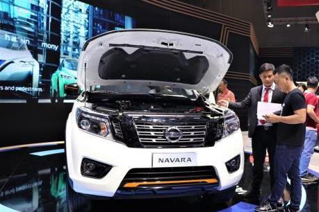 Nissan giới thiệu phiên bản cao cấp Navara Black Edition A-IVI