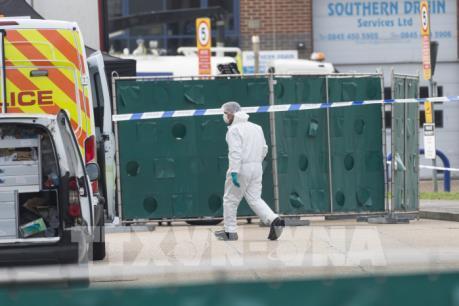 Bộ Công an phối hợp với Anh xác minh vụ 39 người chết trong xe container