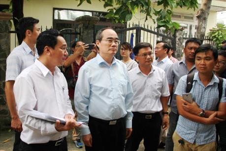 Bí thư Tp. HCM từ Hà Nội về kiểm tra công trình không phép ở quận Thủ Đức