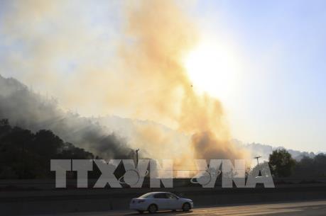 Cháy rừng lan rộng tại bang California