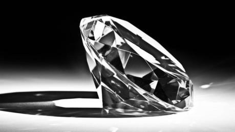 """Viên kim cương 1,8 triệu USD """"bốc hơi"""" khỏi triển lãm trang sức ở Nhật Bản"""