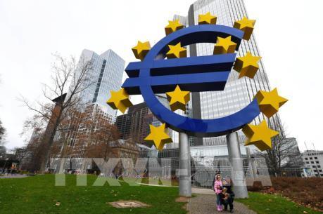 ECB hạ dự báo tăng trưởng GDP và lạm phát tại Eurozone