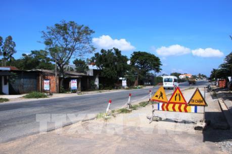 Thực hiện nghiêm việc bảo hành Quốc lộ 1 và đường Hồ Chí Minh
