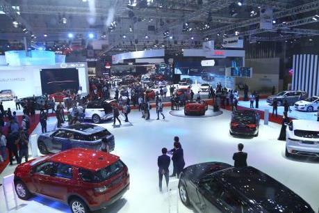 Giá ô tô giảm hàng trăm triệu, doanh số bán vẫn không có đột phá