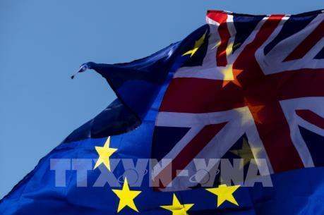Anh kêu gọi EU thông qua quyền tiếp cận thị trường cho khu tài chính London
