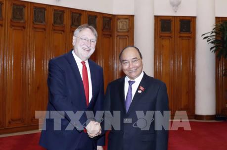 Thủ tướng Nguyễn Xuân Phúc tiếp Đoàn Ủy ban Thương mại quốc tế Nghị viện châu Âu