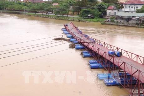 Giao thông tại Quảng Bình bị ảnh hưởng nặng nề do mưa lớn