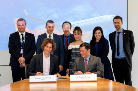 Vietjet Air và Airbus ký kết mua 20 tàu bay A321XLR phục vụ đường bay quốc tế