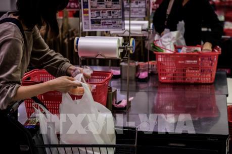 Nhật Bản tính tiền túi nilong từ năm 2020