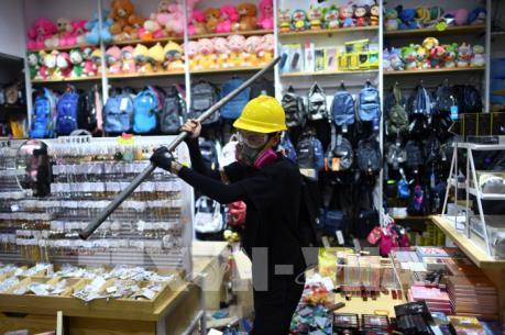 Doanh số bán lẻ của Hong Kong (Trung Quốc) tiếp tục giảm