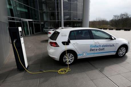 """Mục tiêu """"1 triệu điểm sạc điện cho ô tô"""" ở Đức"""