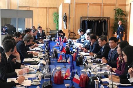 Các doanh nghiệp Pháp đề nghị tăng cường hợp tác với doanh nghiệp Việt Nam