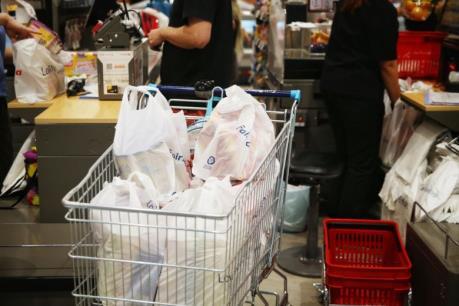 Singapore gia hạn chương trình thu lệ phí sử dụng túi nilon