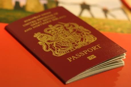 Anh sẽ nới lỏng cấp thị thực cho người nhập cư trong lĩnh vực y tế