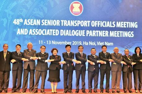 Tăng kết nối giao thông vận tải trong khối ASEAN