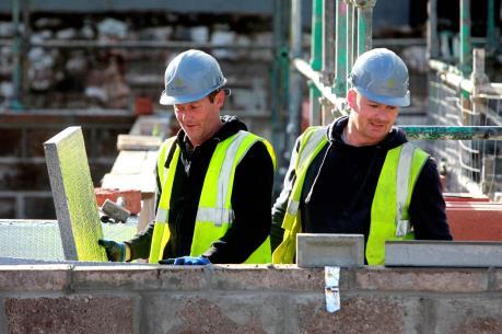 Nhu cầu tuyển dụng của doanh nghiệp Anh đã tăng lên
